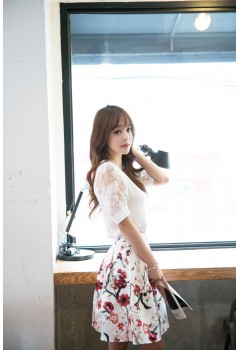 Spring Lace Short sleeve Top And Flower Skirt